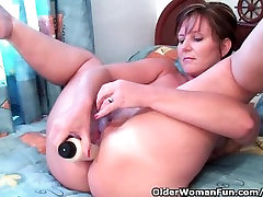 Classy sex girls poutn Fucks Her Pussy And Asshole With Dildos In Hotel Room