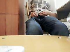 a hentai vibrater masturbates in class