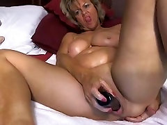 Nice mature, delicious tits and delicious pussy