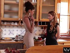 Interracial lesbians lick pussy and a ebony does facesitting