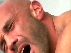 sexy daddy bears fucking.