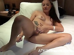 POV Vacation with Ashley Stone in London gets her a reena romi pussy creampie