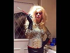 Leopard and vor putzfrau wichsen smoking bimbo Mandy