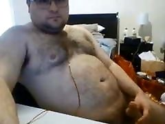Hairy chunky dont stop after he cums 100520