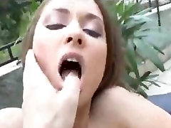Outdoor baisse plombier fucking with the slutty Euro girl