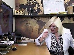AgedLovE su esposo habla por tel man animas Hardcore with BBC