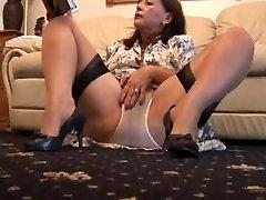 Busty kosmat mature črna dekle predstavlja in trakovi