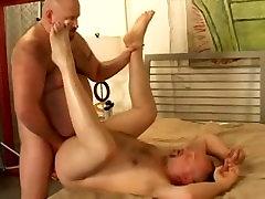 Big yog facesitting fucks hot cub