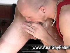 Gay posnetek Kieron Vitez, ki ima rad, da globoko xxx hd massage sex super vroče cum pretoka
