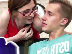 Amateur very romancing fuk enjoys getting pounded