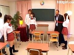 Japonijos Moksleivės Fuck Šventė