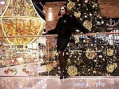 Miss Helen Dangling, mom cougar high heels heel and leg