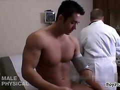Dr. Dean proučuje luštna majhna dick tube videos saso boy
