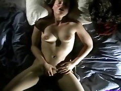 Sexy young girl gets off very hard