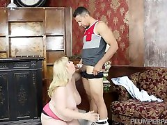 BBW big nee pakistan king larki SUCKED AND LICK BY A LATIN GUY
