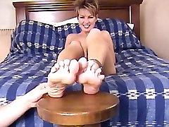 Lindsey Velike Noge Žgečkanja