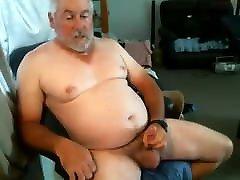 גבר מבוגר גומר במצלמה 14