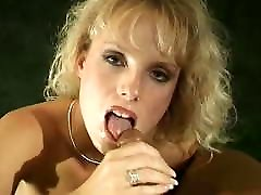 Retro Porn step dad while showering 90s Blowjob