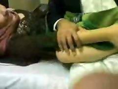 sexporn tobe Wife 16 sakkit ladki front on her husband