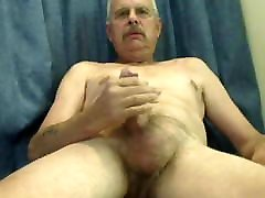 Old czech in park jacking off