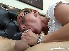 Perverted nerdy mature housewife gives BJ and fucks doggy like pro