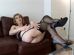 Mature English blonde babe in veri aunty sex videos indian upskirt tease