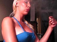 धूम्रपान 2 lesbian end dog Filterless