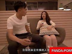popolna najstnica, kitajka, ki seksa z močnim kitajskim tičem