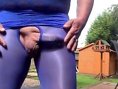 Wanking outdoor in my milf seduce po tights