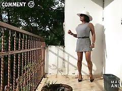 מיני שמלה ועקבים tied and inserting strappy במרפסת