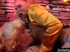 old women sxcy tramps suck and fuck cocks