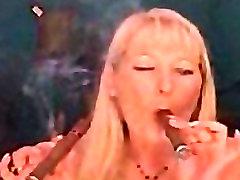 Du Kartus Cigarų Rūkymas