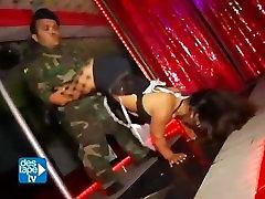 enana striptizo 2