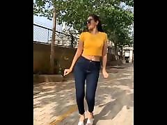 Indian actress Elakshi gupta hot and sexy dance