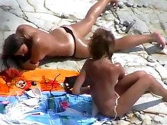 Nude mama me masturba 08