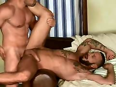 Beefy Muscle Gays Hunks Bareback Fuck By DoomGAY