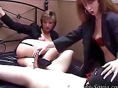 femdom handjob su my blond busty mom laižyti