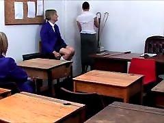 castigo das raparigas da escola à moda antiga