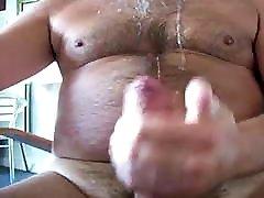 BEAR BIG COCK masturbing