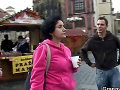 He brings bbw tailor tourist home and bangs her