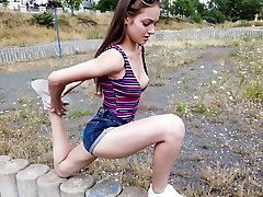 Amazing natural gal Sophy flashes her natural naeghs sex right outdoors