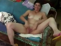 Exhibition of mature wife for all internet viewers