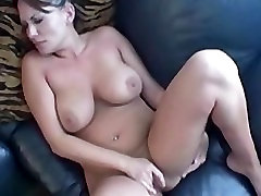 Busty Leslie playing her dani hard fuking and hot pussy