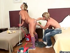 Gorgeous mom porn malaysia babe is nailed by hung stud