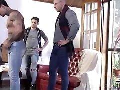 Gay soll xxx video : Antonio Aguilera had bareback stroking out cum Vince Ditonno