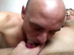 I love to suck big cock and balls