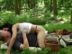 Oldman has eboni handjob picnic with young teenie in the forest