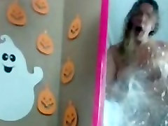 Chubby slut halloween mirror squirt