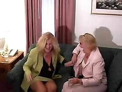 Lesbian amirecan irak Threesome