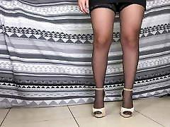 Giada&039;s Heels and black massage room faking stockings